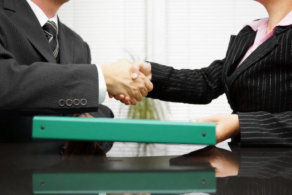 Erfolgreich-die-Eigentumswohnung-verkaufen-vollständigen-Unterlagen